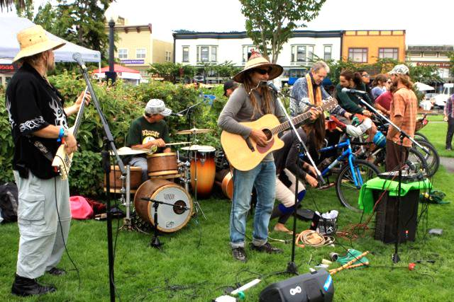 "A ""Pedal-palooza"" Event Rolls Into Sacramento: Celebrate Bicycling & Music, with a Bike-Powered Stage!"