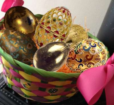 golden easter egg basket by Melania Trump