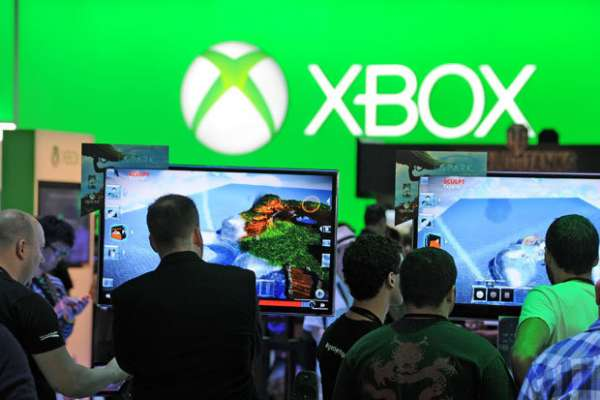 Militant X-Box Gamers Denounce Censors as 'Sad, Pathetic Losers with a Lot of Time on Their Hands'