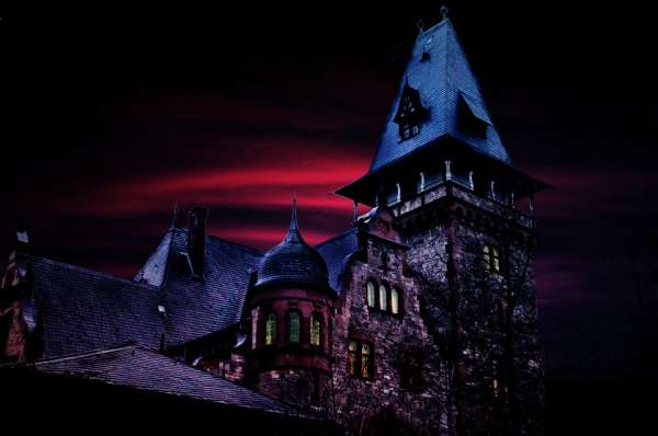Fun Any Time of the Year: Specialty Haunted Houses