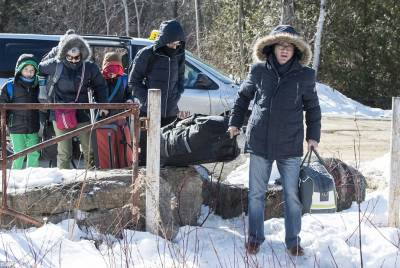 Hundreds of ICE Workers Desert Their Posts and Flee to Canada