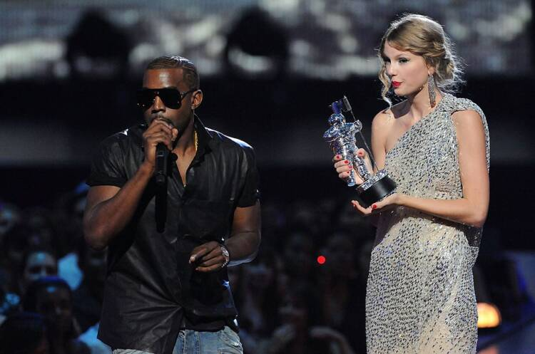 Kanye West interrupts Taylor Swift's acceptance of the award for Best Female Video
